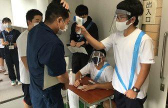 1年生がこれまでの先輩方の取組を学習し,避難所運営訓練を体験しました。